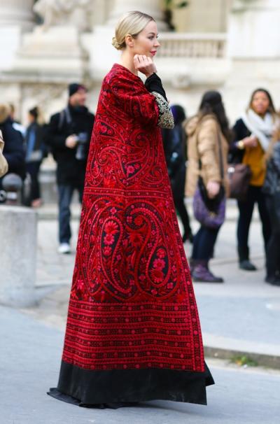 ulyana-sergeenko-royal-robe