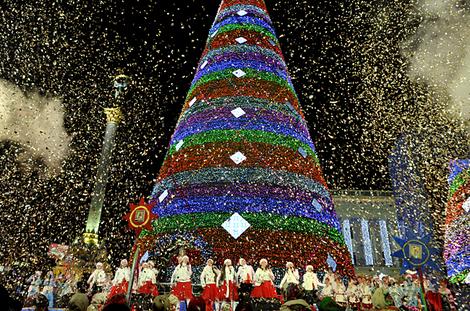 christmas_tree_kiev_ukraine_travel_europe_guide