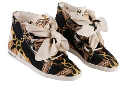 russy-valenki-sneakers-2-537x368