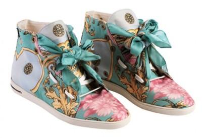 russy-valenki-sneakers-6-537x368