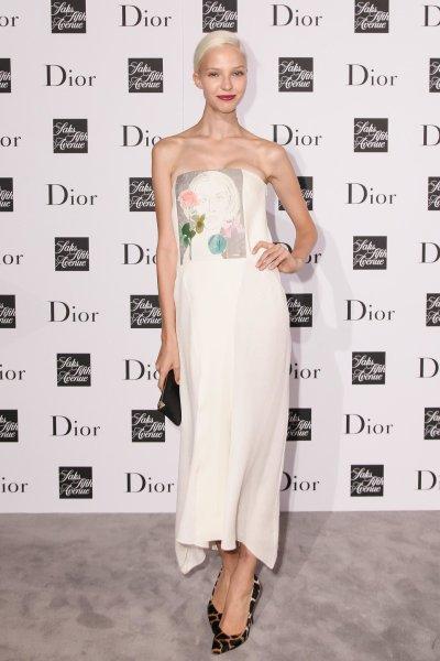 Sasha-Luss-showed-her-flower-power-Dior-Saks