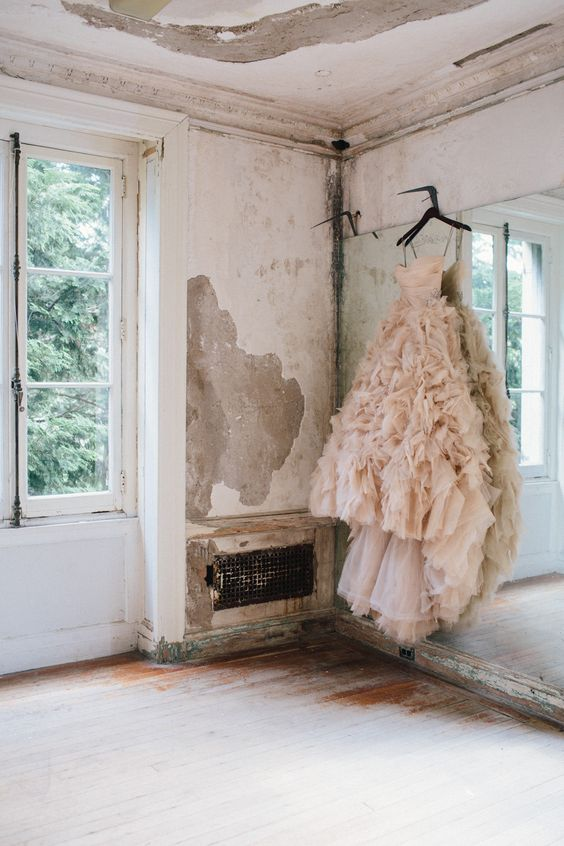 Let's Talk: Wedding Dress Inspo 'Movement & Monique Lhuillier'